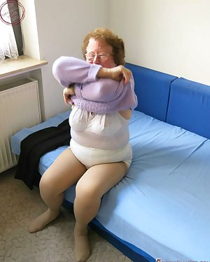Cute hot granny fully naked body hardcore