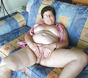 Amateur Granny Sex, photo set 260