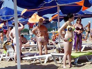 Russians Mature Grannies on the beach! Amateur mix!