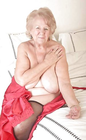 AMATEUR MATURES GRANNIES BBW BIG BOOBS BIG ASS 89