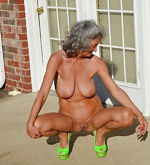 Amateur matures and grannies 4