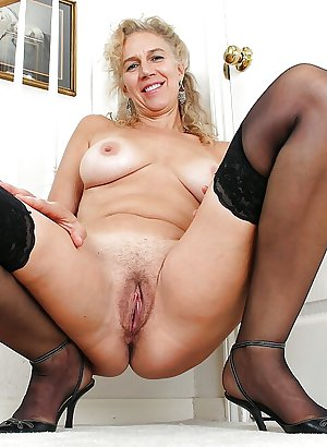 Amateur matures and grannies 4