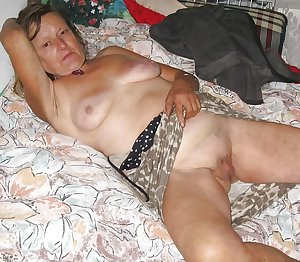 MATURE AND GRANNIES 70