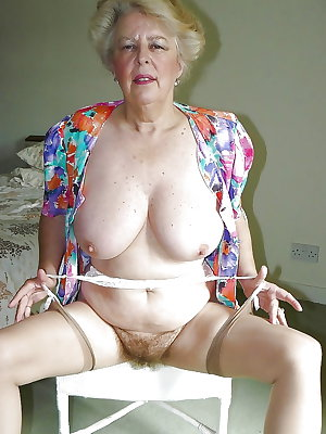 MATURE PUSSY  OLD PUSSY
