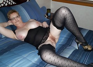 MATURE AND GRANNIES 64