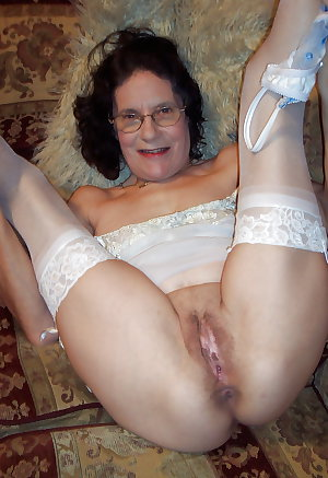 MATURE AND GRANNIES 131