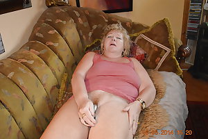 Goldenpussy: Mature and Sexy???