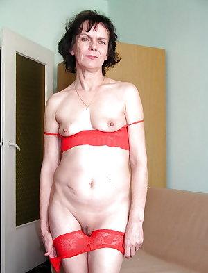 Hot Mature Granny (Mix) 4