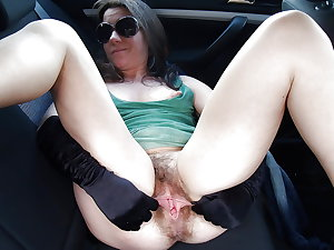 MATURE AND GRANNIES 71