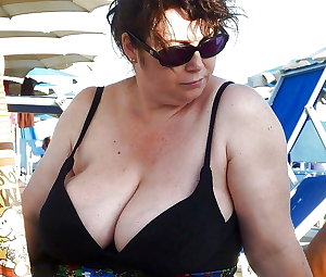 BBW matures and grannies at the beach (26)