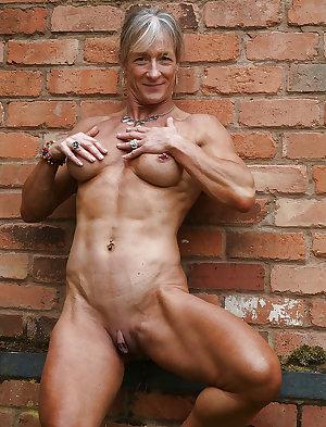 sexy horny grannies!