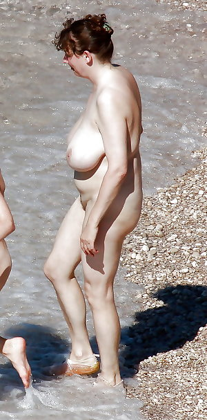 BBW matures and grannies at the beach 280