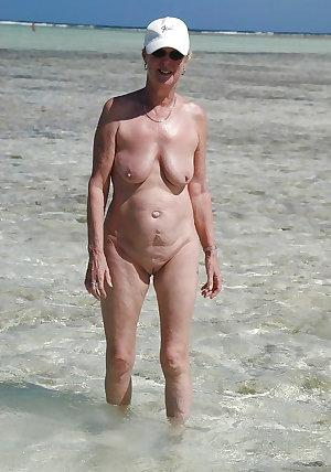 beach-grannies