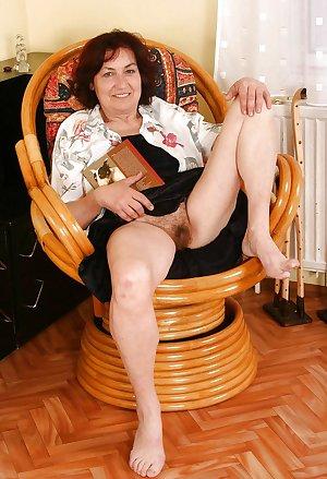Granny Hannah (eighth set)