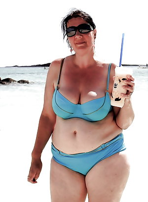 BBW matures and grannies at the beach 295