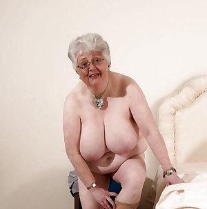 Matures & Grannies 70