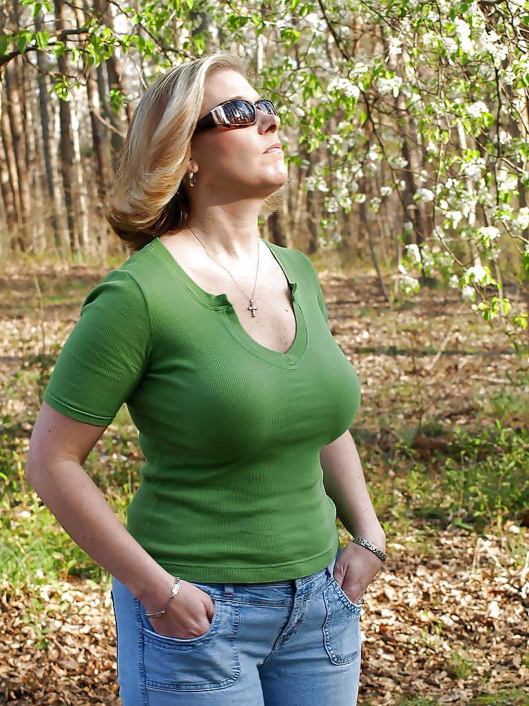 Big boobs lesbain porn