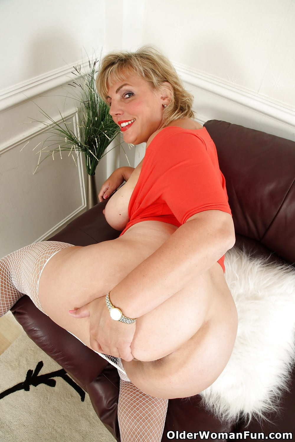 Mature fat women porn pictures